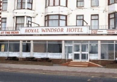 The Royal Windsor Hotel Blackpool – Robbing Cunts